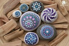 Stone painting - 40 DIY Mandala Stone Patterns To Copy – Stone painting Mandala Art, Mandalas Painting, Mandalas Drawing, Mandala Rocks, Stone Mandala, Pebble Painting, Dot Painting, Pebble Art, Stone Painting