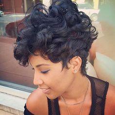 Cerchi un nuovo taglio di capelli? Ecco per te 300 foto e consigli da non perdere! Clicca qui per vedere tutti i nuovi tagli di capelli del 2018