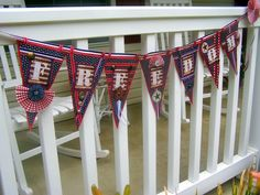 """DIY Patriotic """"FREEDOM"""" banner from Vintage Mama's Cottage"""