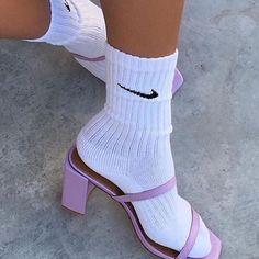 It's a look ~ heels n socks . Purple Aesthetic, Aesthetic Fashion, Urban Aesthetic, Clogs, Stiletto Heels, High Heels, Hypebeast Women, Zoom Iphone, Iphone 5c