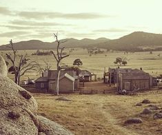 Ghost town in the Wild Wild West ☆Baby Galactiq☆ town of dungatar in Australia. Fallout New Vegas, Fallout 3, Westerns, Man In Black, John Wilson, The Adventure Zone, Red Dead Redemption, Le Far West, Borderlands