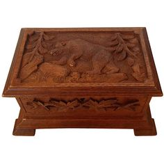 Pre Owned Carved Black Forest Box W Bear 355 Aud Liked