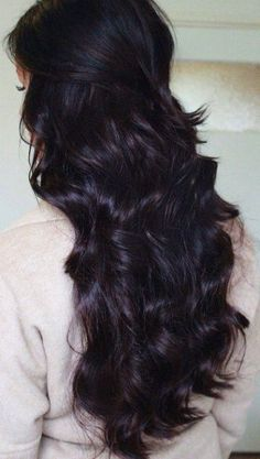 Dark half up half down curly hair #gorgeoushair