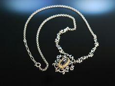Zum Dirndl! Hübsche Trachten Kette Collier Silber teils vergoldet grosser Granat in Rosenschliff. Traditioneller Trachten Schmuck bei Die Halsbandaffaire München