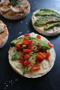 Rice Cakes, Caprese Salad, Bruschetta, Healthy Snacks, Ethnic Recipes, Food, Health Snacks, Healthy Snack Foods, Meals