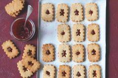 Stříkané cukroví | Apetitonline.cz Gingerbread Cookies, Gluten Free, Cooking, Fit, Desserts, Gingerbread Cupcakes, Glutenfree, Kitchen, Tailgate Desserts