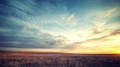 Просмотреть обои поле, рассвет, небо, красиво, пейзаж 1920x1080