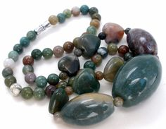 """Green Agate Graduated Bead Necklace Vintage Heart Gemstones 19"""" Long Jewelry 
