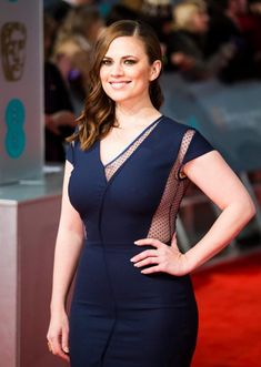 Hayley Atwell flaunts her cleavage in a black gown at the BFI Film Awards - Celebs Peggy Carter, Agent Carter, Hot Actresses, Hollywood Actresses, Beautiful Celebrities, Beautiful Actresses, Hailey Atwell, Hayley Elizabeth Atwell, Vrod Harley