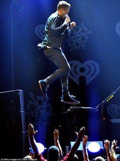 Waaaaaat HE CAN FLY!!! I like his shoes too lol!