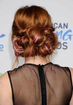 Bella Thorne's pink streaked bun