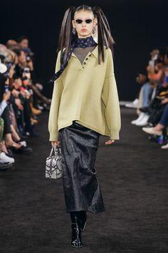 Alexander Wang at New York Fashion Week Fall 2019 - Runway Photos Live Fashion, Sport Fashion, New York Fashion, Runway Fashion, Fashion Show, Fashion Tips, Fall Fashion Trends, Autumn Fashion, Phresh Out The Runway
