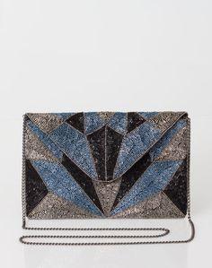 1.2.3 Paris - Les accessoires automne-hiver 2016 - #Pochette perlée #marine Odelia 69€ #123paris #mode #fashion #shopping #accessoire #clutch #accessories  #bleu #blue