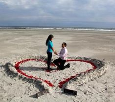 marriage proposal romantic ideas at the beach Beach Proposal, Romantic Proposal, Perfect Proposal, Romantic Beach, Romantic Ideas, Romantic Moments, Engagement Stories, Wedding Engagement, Engagement Photos