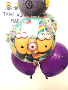 FOIL AND LATTEX MINION BALLOONS