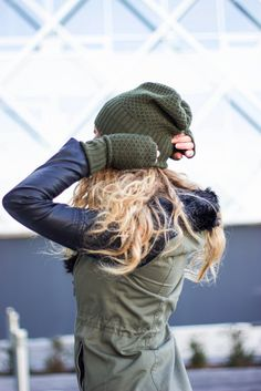 Military green color fingerless in high quality blended cashmere and merino wool