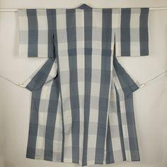 Gray komon, casual summer kimono /【小紋】リサイクル着物/白×グレー 大きな格子に絣立涌柄 紗 単衣 夏物