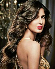 40 Katrina Kaif Photos with Makeup and Beautiful Dresses Katrina Kaif Hot Pics, Katrina Kaif Images, Katrina Kaif Photo, Beautiful Bollywood Actress, Most Beautiful Indian Actress, Beautiful Actresses, Indian Celebrities, Bollywood Celebrities, Katrina Kaif Wallpapers