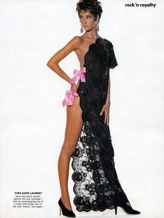 LINDA EVANGELISTA - CHRISTY TURLINGTON - IRVING PENN Vogue USA