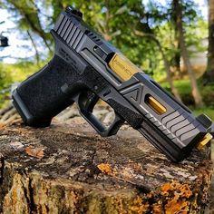 #Repost @skyesnead ・・・ Agency Arms Urban G19 #agencyarms #agency #arms #urban #g19 #tin #gunsofinstagram #gunsdaily #customguns #firearmsdaily #dailygundose #concealedcarrynation #concealedcarry #sheepdogdefenseproject #glockfanatics #glock #bestofthebest #welcometothebrotherhood #trijicon #america #aa #guns #edc #everydaycarry
