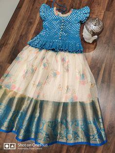 Girls Frock Design, Long Dress Design, Baby Dress Design, Kids Dress Wear, Kids Gown, Party Wear Dresses, Baby Girl Frocks, Frocks For Girls, Dresses Kids Girl