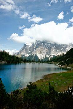 Was macht man, wenn man weder Zeit noch Geld hat, in den Urlaub zu fahren? Einen Tagesausflug mit dem Auto nach Österreich in die Berge.. G...