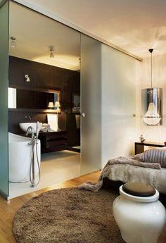 Decorate the bathroom in a modern way - 31 inspiring pictures, bathroom modern furnishings matt glass sliding door bedroom bathtub. Open Plan Bathrooms, Open Bathroom, Ensuite Bathrooms, Bathroom Doors, Bathroom Layout, Modern Bathroom Design, Bathroom Interior Design, Bathroom Furniture, Bad Inspiration