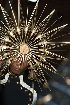 SUNBURST COUTURE | PHILIP TREACY — Patternity