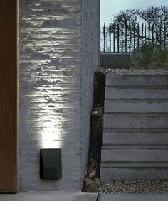 Modular exterior lighting by supermodular on pinterest for Applique murale double exterieur