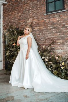 """""""Plus size wedding dresses that aren't drab? We've found gorgeous, new season styles from some of Ireland's most size-inclusive boutiques."""" ✨ Our dresses are featured in an article in Confetti Magazine ✨ Bridesmaid Dresses Plus Size, Bridal Dresses, Curvy Bride, Wedding Dress Boutiques, My Fair Lady, Pearl And Lace, Plus Size Wedding, Dress Up, Confetti"""