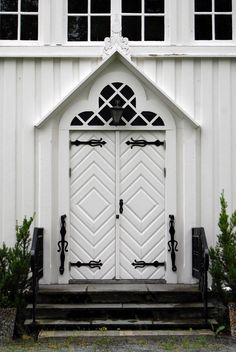 Door into Børsa church, Norway. I can't believe I found a pin of the town I was born in. This church has a cemetery where my mother's family is buried.
