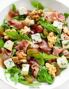 Sałatka z winogronami, suszoną szynką i orzechami włoskimi Best Salad Recipes, Healthy Recipes, Helathy Food, Healthy Cooking, Healthy Eating, Good Food, Yummy Food, Food Dishes, Food Inspiration