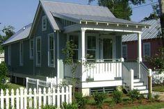 Cottage Style House Plan - 2 Beds 1 Baths 672 Sq/Ft Plan #536-4 Exterior - Front Elevation - Houseplans.com