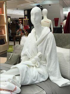 Burberry® Bed & Bath Sleepover – Fixtures Close Up Burberry Purse, Bed & Bath, Sleepover, Visual Merchandising, Shop Displays, Pajama Party