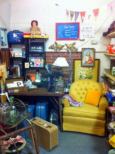 A Look at Owl Really's Kitschy Antique Mall Booth + Selling and Buying Tips