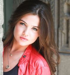 General photo of Danielle Campbell Danielle Campbell The Originals, Dani Campbell, Hot Actresses, Hollywood Actresses, Davina Claire, Actrices Hollywood, Woman Crush, Brunettes, Priyanka Chopra