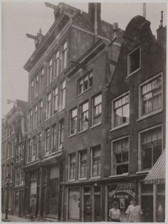 1940's. View on the Nieuwe Leliestraat in Jordaan section of Amsterdam. The street, contains a variety of small businesses, cafes, restaurants and sixteenth century buildings have been converted to appartments. #amsterdam #Jordaan #NieuweLeliestraat