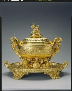 PAUL STORR SILVER-GILT Silver Gilt Tureen with stand and cover. Royal Collection Trust Paul ...