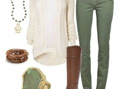 association-couleur-vetement-bottes-marron-avec-des-bijoux-convenables
