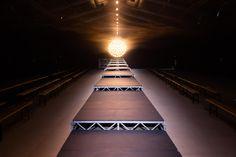 http://blog.bureaubetak.com/post/151289036689/jacquemus-ss17-show-espace-ephemere-des-tuileries