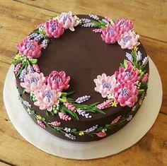 Dort čokoládový * narozeninový - zdobený barevnými krémovými květinami. Do you like this?