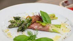Szparagi w szynce parmeńskiej (Master Chef)