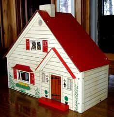 Antique Rich Toys Strombecker Masonite Dollhouse w Furniture, cute small style dollhouse. .....Rick Maccione-Dollhouse Builder www.dollhousemansions.com