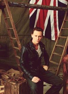 War horse, Tom Hiddleston