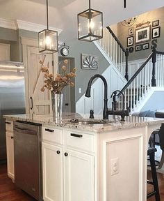 Home Remodeling Stunning 30 Elegant Farmhouse Kitchen Design Decor Ideas. - Farmhouse kitchen style will be perfect idea if you want to have family gathering in your kitchen during meal time. Farmhouse Kitchen Inspiration, Farmhouse Kitchen Decor, Home Decor Kitchen, New Kitchen, Kitchen Ideas, Decorating Kitchen, Kitchen Layout, Farmhouse Style, Modern Farmhouse