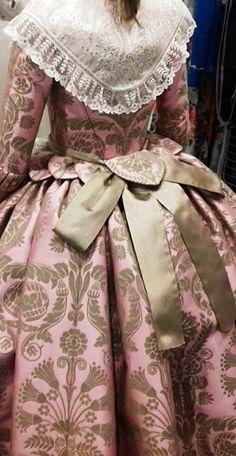 @irynatatarchuk 18th Century Dress, 18th Century Fashion, 1800s Fashion, Vintage Fashion, Beautiful Gowns, Beautiful Outfits, Rococo Dress, Crinoline Dress, Vintage Dresses