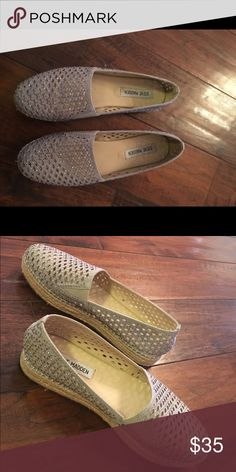 Steve Madden espadrilles flats Brand new. Worn once. No flaws or imperfections. Steve Madden Shoes