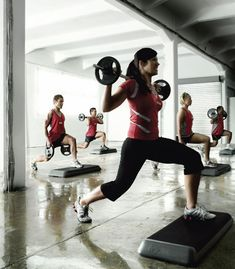 1. Step Aerobics    Calories Burnt: 800 cal/hr  Many of the top exercises to lose weight incorporate aerobics. This mainly targets your legs, hips and bum, …