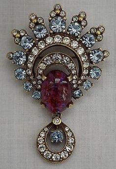 Jewelry Diamond : Vintage Eisenberg Rhinestone Brooch - Buy Me Diamond Art Deco Jewelry, I Love Jewelry, Fine Jewelry, Jewelry Design, Jewelry Sets, Rhinestone Jewelry, Vintage Rhinestone, Sterling Silver Jewelry, Silver Jewellery