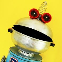 Q-MAN - SUPERHERO ROBOT ASSEMBLAGE - RECLAIM2FAME | Sculptur… | Flickr